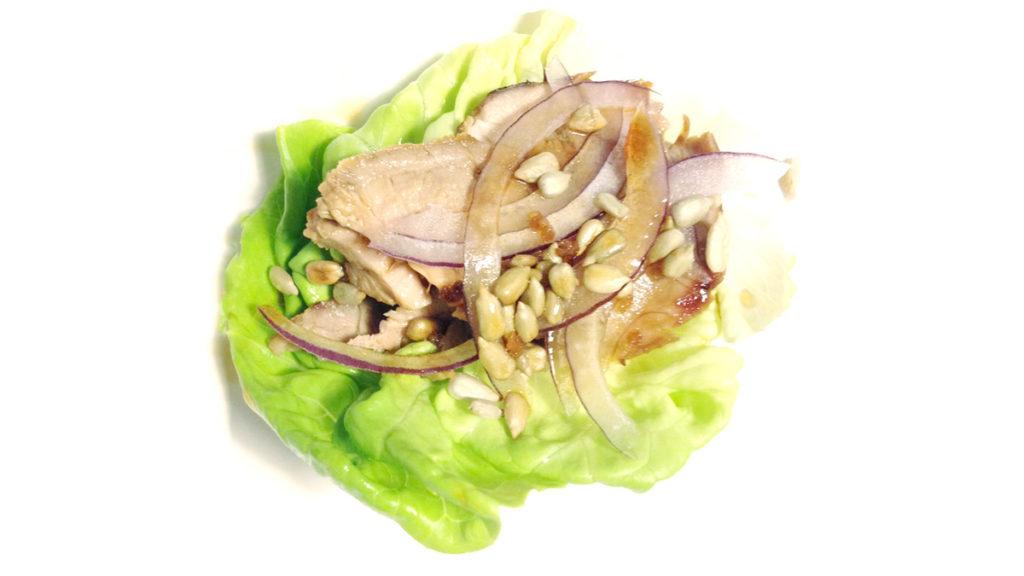 Involtini di insalata e maiale
