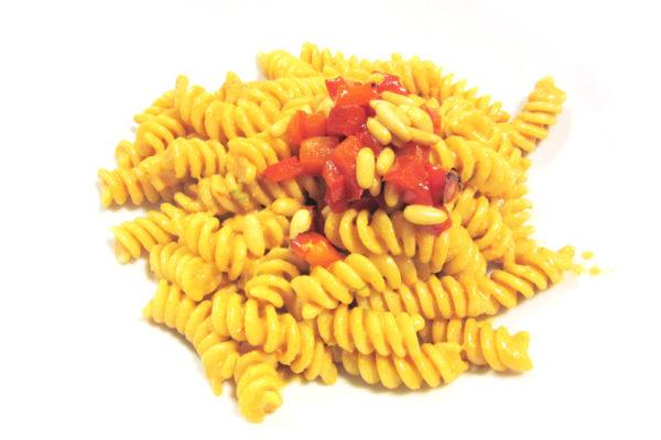 Pasta al pesto di peperoni (erboranti)