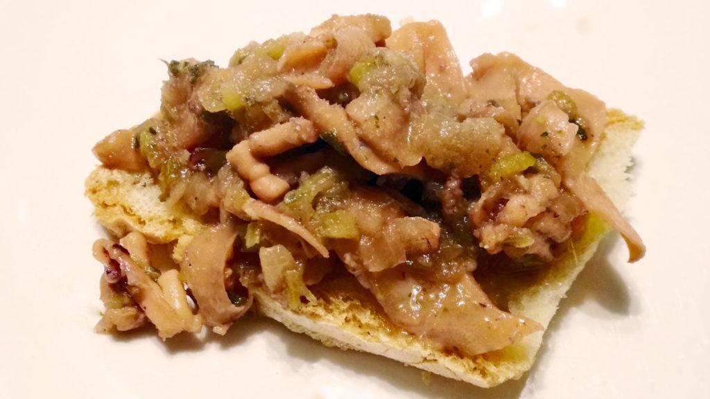 Crostini di calamaro